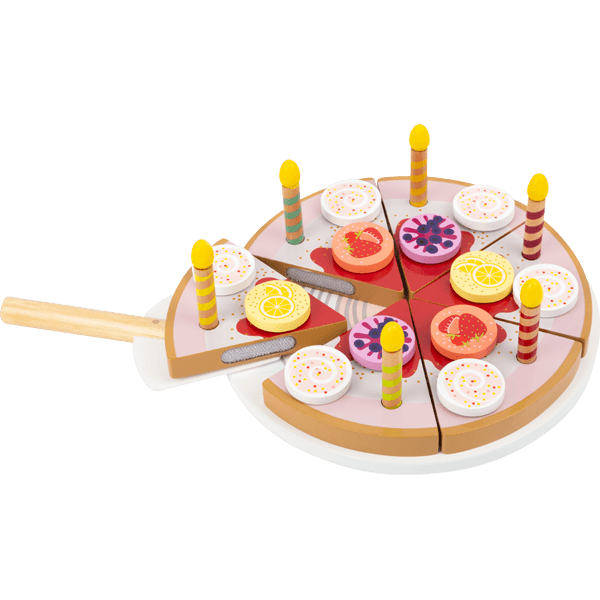 Gâteau d'anniversaire à découper avec bougies